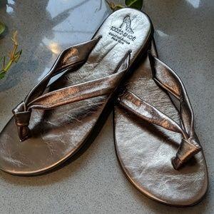 10022-Shoe Saks Fifth Avenue Leather Sandals 8
